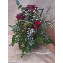 Centrito de rosas rojas