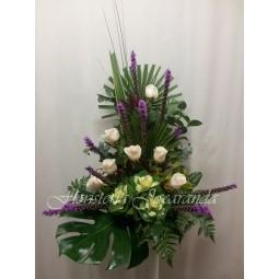 Centro de flores con brásicas